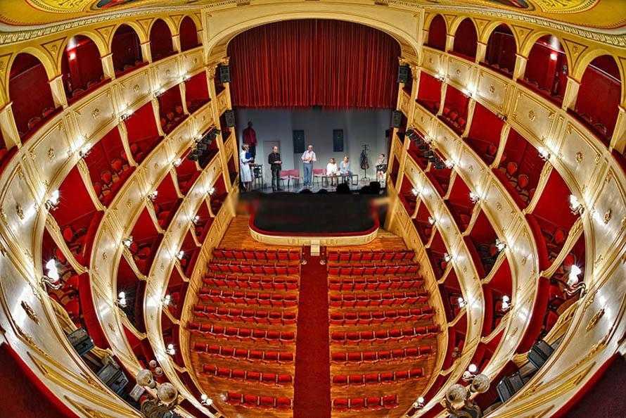 the apollo theater - 950×634